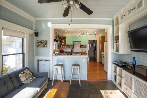 retro kitchen photo